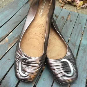 Naturalizer Pewter Silver Leather Flats Size 8.5M